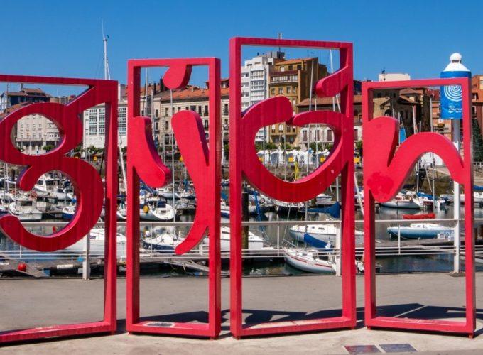 En Asturias disfruta de ofertas, escapadas, excursiones, visitas guiadas, actividades aventura, experiencias, paquetes, viajes y alojamientos con reserva online.