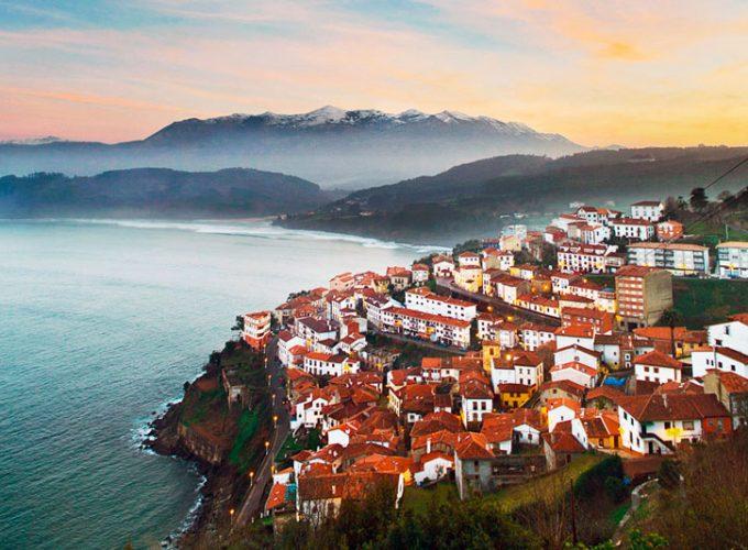 ¿Qué visitar en Asturias? ¿Qué hacer en Asturias? Reserva alojamientos, actividades, tours, rutas, visitas guiadas y excursiones en Asturias.